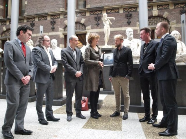 PETA NL staff meets with Dutch politicians in The Hague