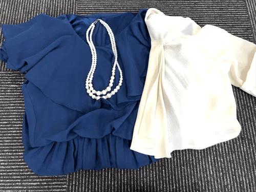ドレス・ボレロ・ネックレスの三点セット
