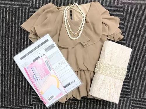DMMいろいろレンタルでレンタルしたドレス・バッグ・ネックレス