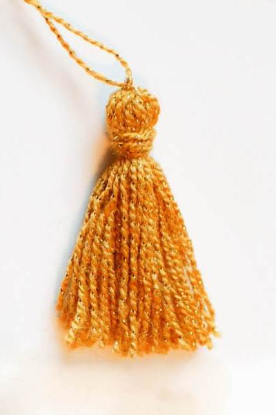 How to Make a Tassel … Quickly and Easily