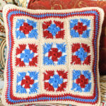 Granny square pillow (6 of 7)