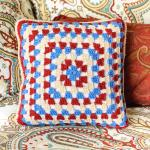 Granny square pillow (7 of 7)