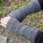 V-Stitch Wristwarmer Crochet Pattern