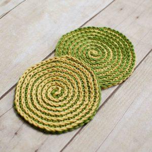 Summer Spiral Crochet Coasters Pattern | www.petalstopicots.com | #crochet #pattern #coasters #decor #home