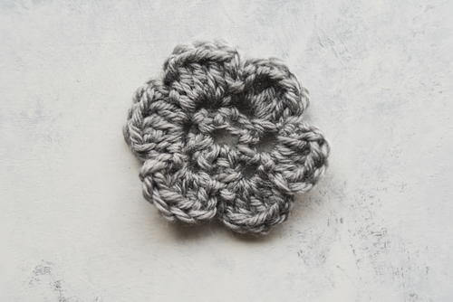 Easy 6 Petal Crochet Flower
