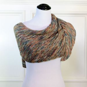 Easy Boomerang Shawl Knit Pattern | www.petalstopicots.com