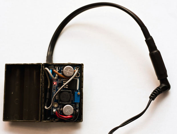 Convert Your DSLR Battery Into a Power Supply Unit That Plugs Into Outlets diycanonpsu 2