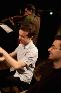 Roderick Chadwick rehearsing with Mihailo Trandafilovski (right) and Peter Sheppard Skaerved, at Wiltons. May 2009
