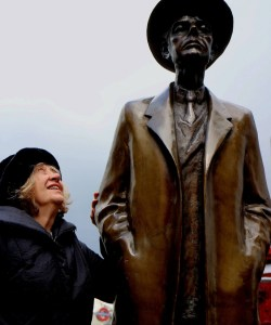 April 4th 2015 A joyous morning of coffee and conversation with Gloria Coates; here with the Bartok sculpture by Imre Varga in South Ken. As good a reason as any to listen to her extraordinary music. http://www.peter-sheppard-skaerved.com/2010/02/new-release-gloria-coates-quartet-9-plus/