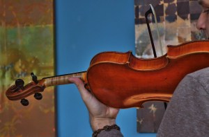 Playing the Widhalm with a F X Tourte Bow (Ca 1770)