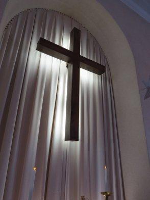 131215_altar_crucifix1_img_0958
