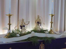 131215_altar_holiday1_img_0957