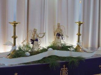 131215_altar_holiday1_img_0957