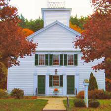 church_front_foliage225