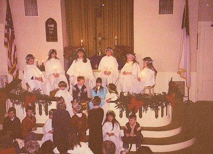 8912-littlest-star-christmas-play1o