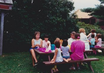 91-vbs-overlook-farm-lunch1o