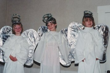 9812-christmas-pageant-what-child-was-this-courtney-lawn-elsie-fellows-staci-keenan1o