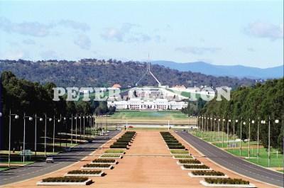 AUSTRALIA - CANBERRA - ANZAC PARADE TOWARDS PARLIAMENT HOUSES R4