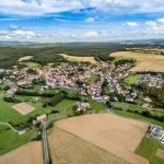 Der Stadtteil Mengsberg von oben fotografiert mit einer Drohne