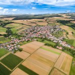 Der Stadtteil Momberg von oben fotografiert mit einer Drohne