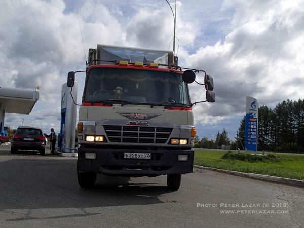 Japánból importált jobbkormányos kamion