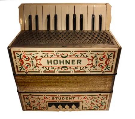 historisches Akkordeon Hohner student
