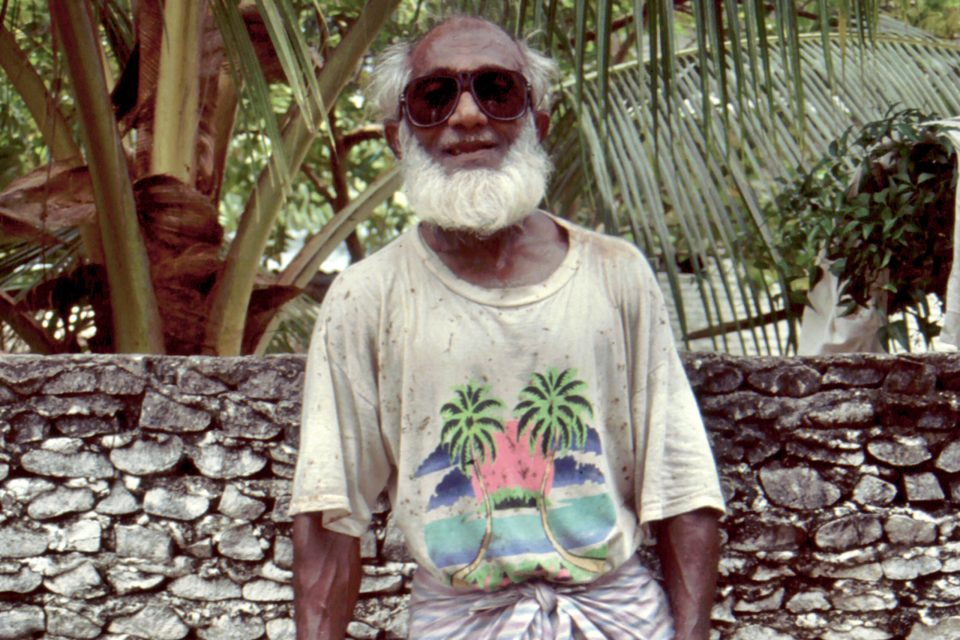 Omar, the trench digger of Fuamalaku in the Maldives