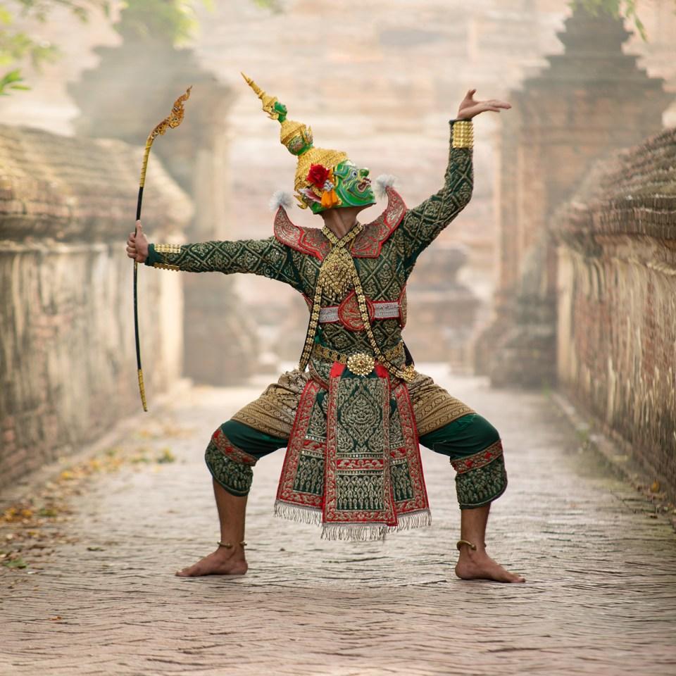 A dancer in Bali (Adobe Stock)