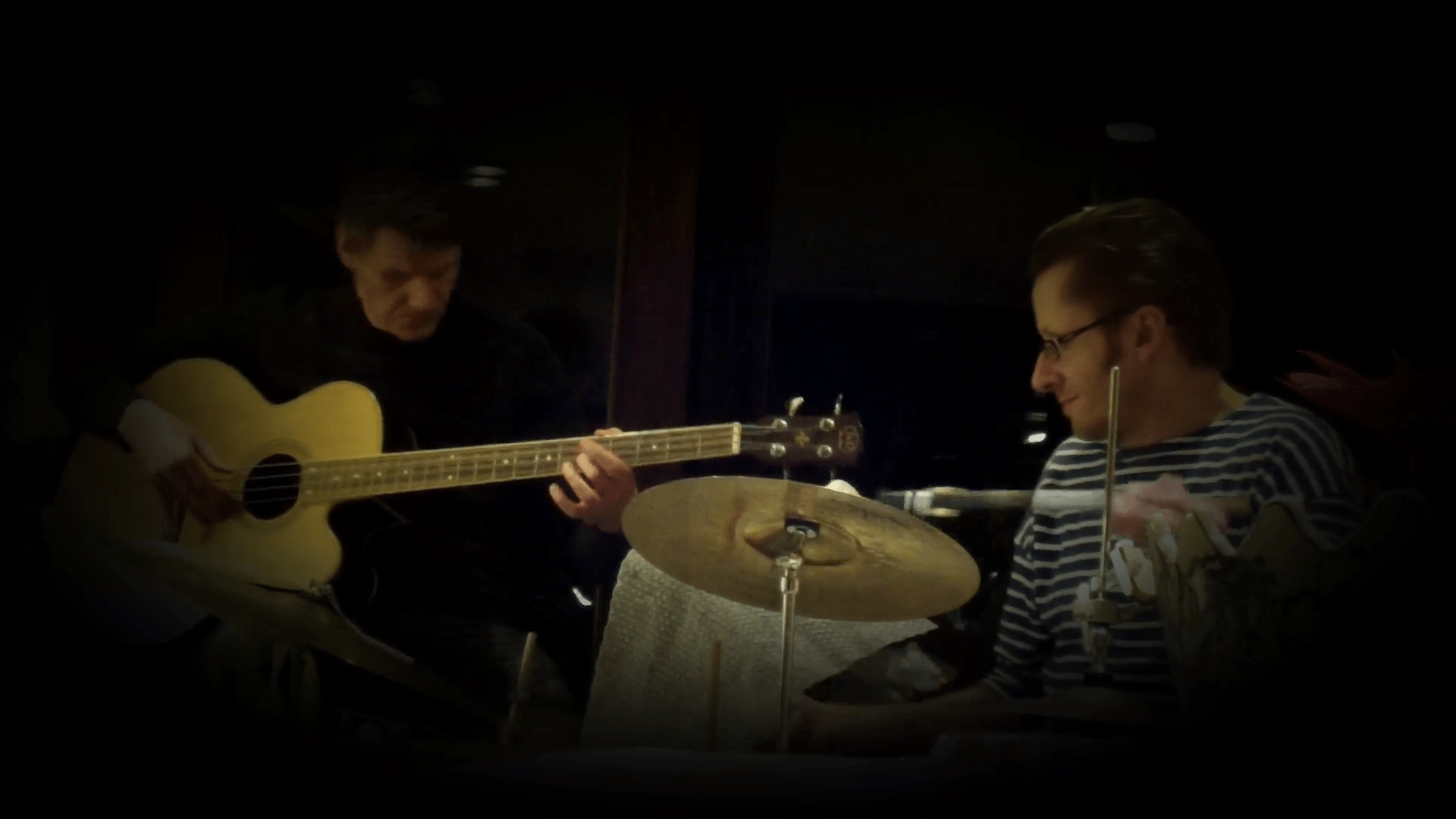 Thomas Blank: Drums, Peter Paulsen: Acoustic Bass Guitar