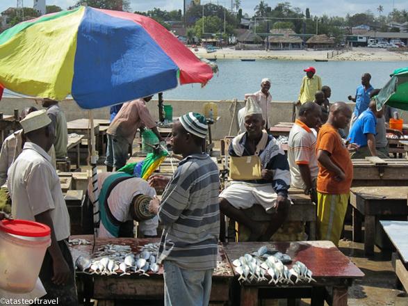 Kivukoni fish market Dar-es-Salaam-3