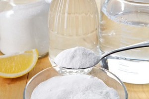pouring-baking-soda-down-the-garbage-disposal_360