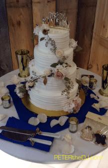 Aubrey and Bill's wedding cake
