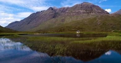 Liathach across Lochan an lasgair CB