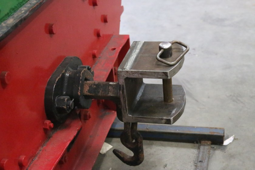 Image 2017.2684: The new coupler arrangement, with pin, as fitted to the rear of the Hunslet.