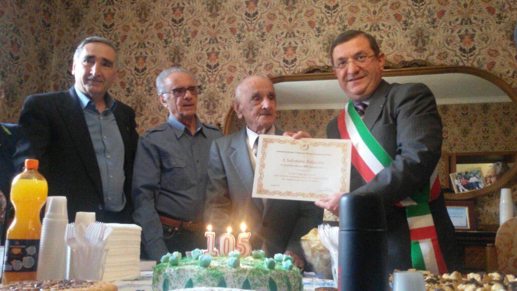 A San Giovanni in Fiore scompare l'ultracentenario Salvatore Belcastro