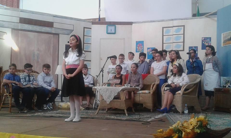 """""""Saluto teatrale"""" degli alunni della V c delle scuole elementari di Petilia"""