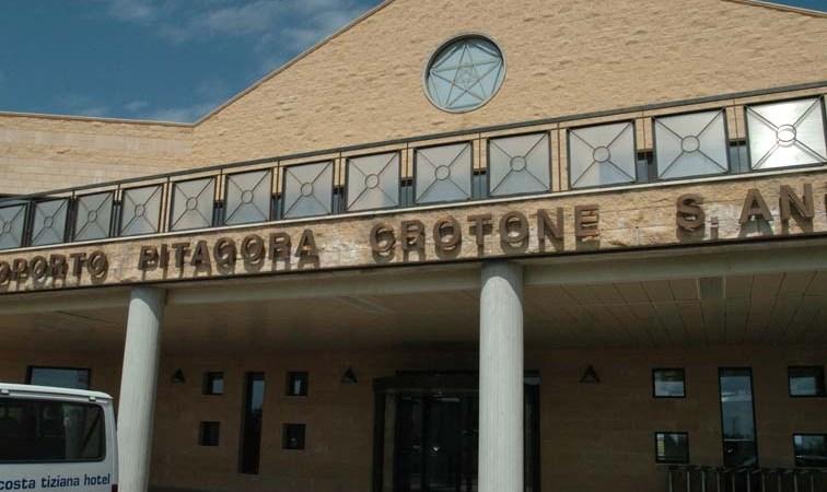 Crotone, aeroporto senza voli: L'appello del Comitato Cittadino