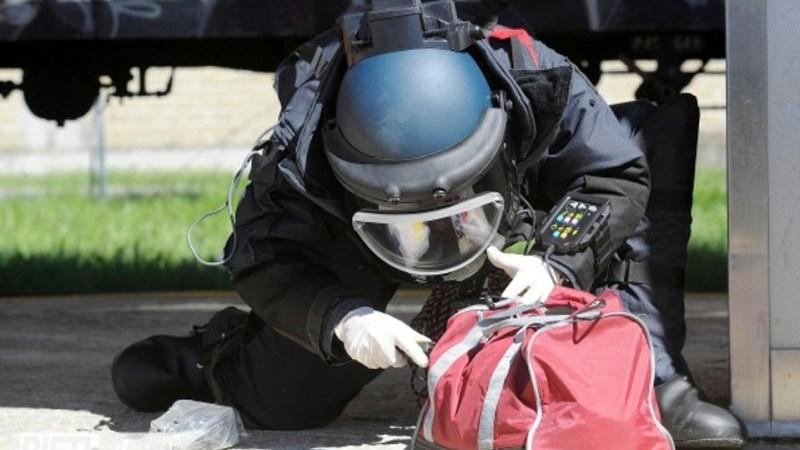 Allarme bomba a Crotone, fatti esplodere i due involucri sospetti