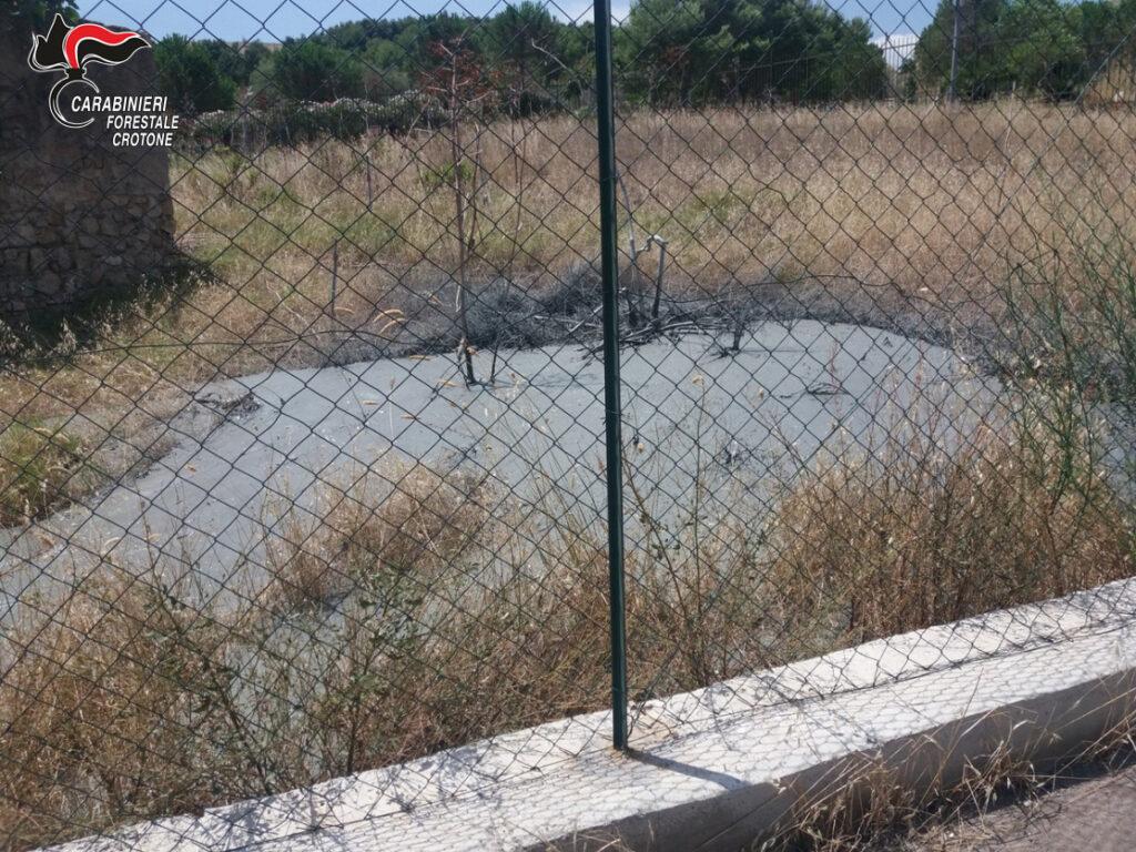 Autospurgo sversava liquami nel parco Pignera a Crotone