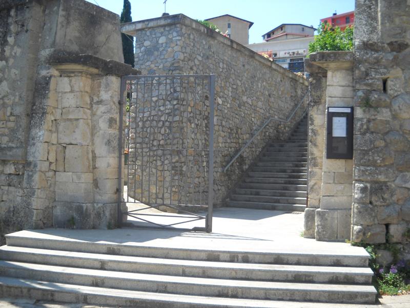 Furto al cimitero di Petilia
