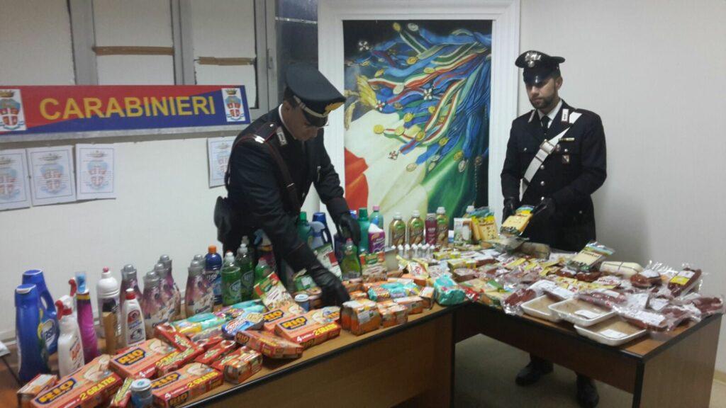 Rubano senza sosta in 3 supermercati: arrestate tre donne dai Carabinieri di Crotone