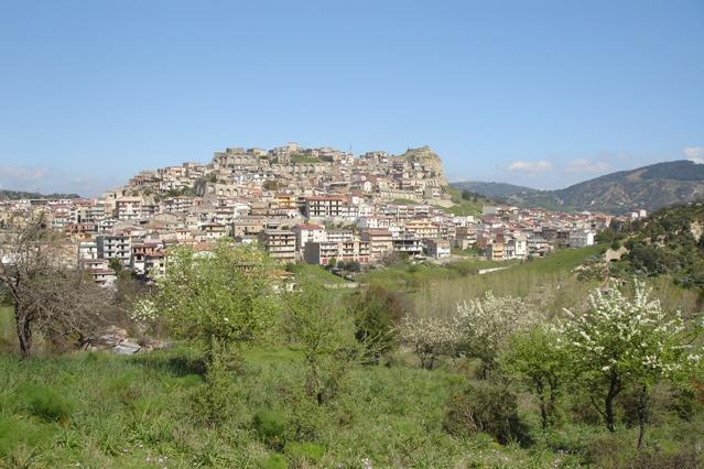 Roccabernarda, agguato in località Salinella