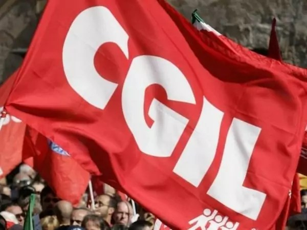 La Cgil Crotone a Bari alla manifestazione del 2 dicembre