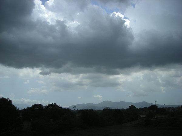 Maltempo in Calabria. Diramato bollettino meteo avverso