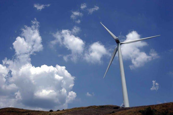 Operazione Via col vento: 13 arresti per infiltrazioni mafiose nell'eolico