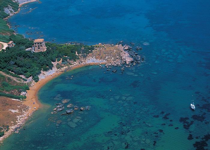 Sub scompare in mare a Crotone, in corso ricerche