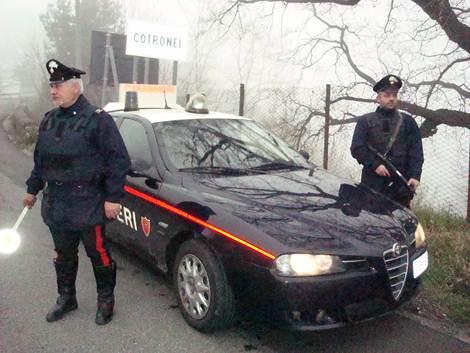 Controlli straordinari dei Carabinieri della Compagnia di Petilia Policastro: 4 denunce e 5 ragazzi segnalati per droga