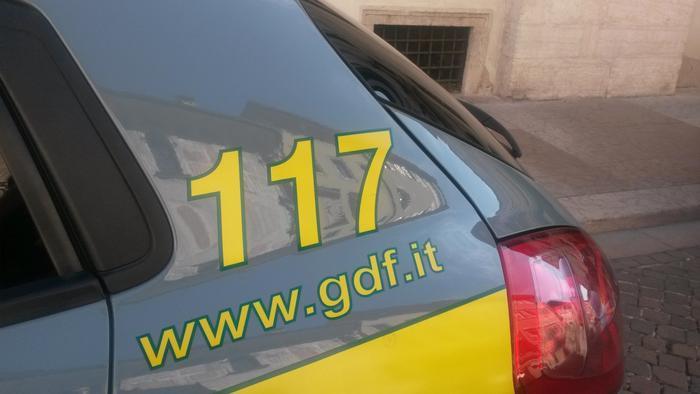 Truffa a Crotone per 16 mln, segnalazione dalla GdF