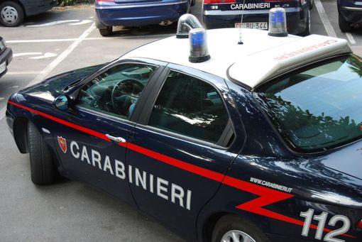 Non si ferma all'alt, arrestato dopo inseguimento sulla 106 dai Carabinieri