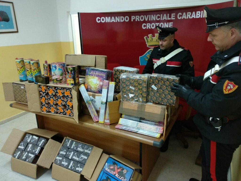 Sequestro di artifizi pirotecnici da parte dei Carabinieri della Compagnia di Crotone